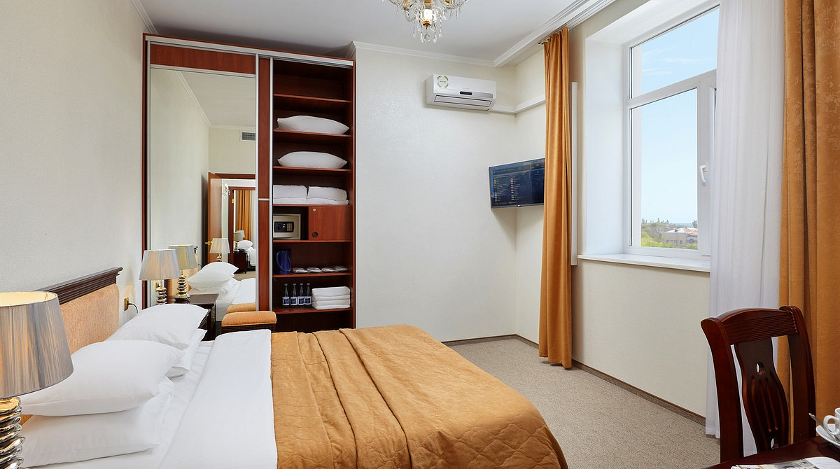 Prices For Family 2 Room Apartment In Evpatoria Hotel Tes Hotel